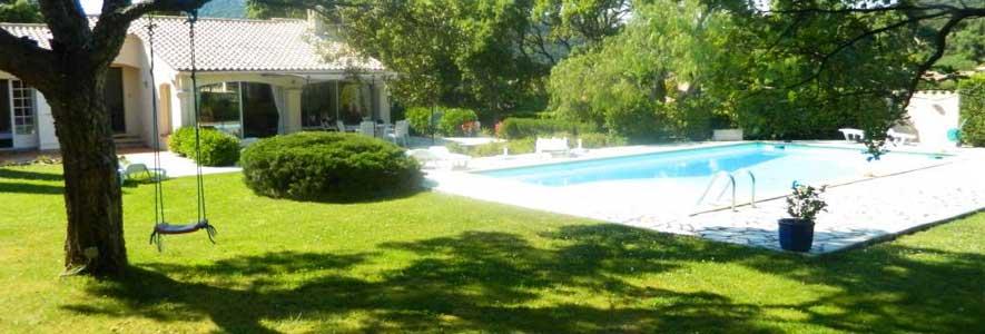 adapter jardin avec piscine