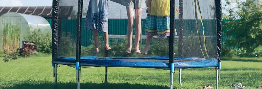 Installer un trampoline de jardin