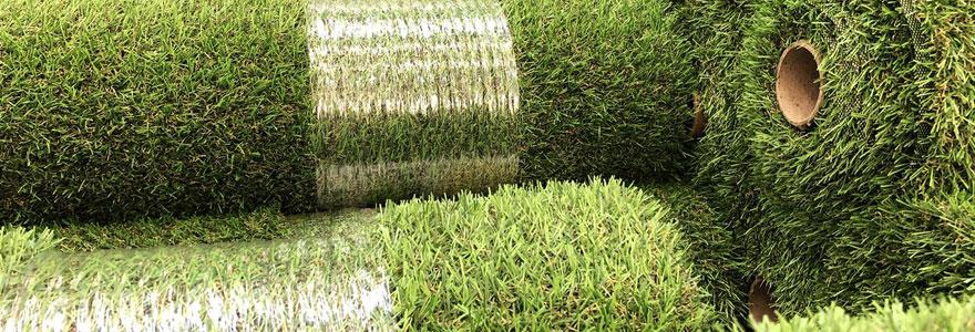 Installer une pelouse artificielle chez soi